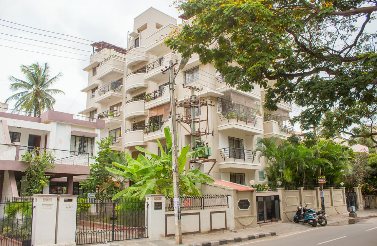 4BHK Duplex Flat at cooke Town