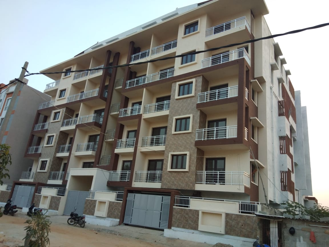 Flats in Hennur Road